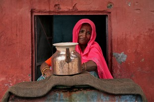 Charity Worker, Jaipur © David Steel