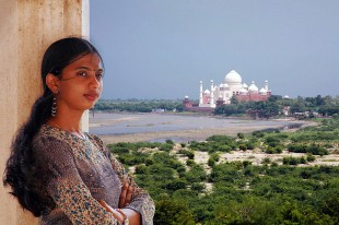 Girl at Agra  David Steel